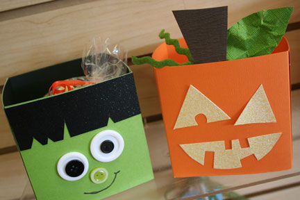 halloween treat containers $5